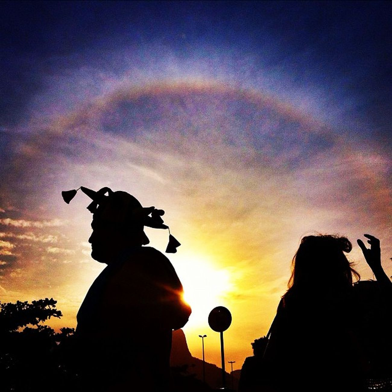 A sunset with a Mayan Sun in The middle of Carnival... Strange hun? Cool!!!