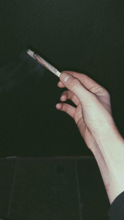 Spliff Joint 420 Cannabis Marijuana Hasch Haschish Smoke Hand
