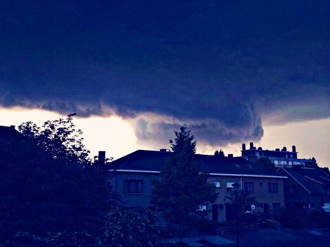 Le ciel nous tombe sur le tête !