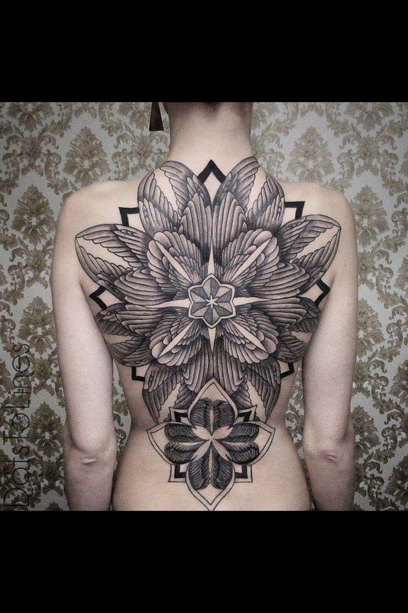 Flowers Tattooed Bodyart Inkedgirls Body And Soul Ink Inked Amazing Stunning Greatwork Lovely