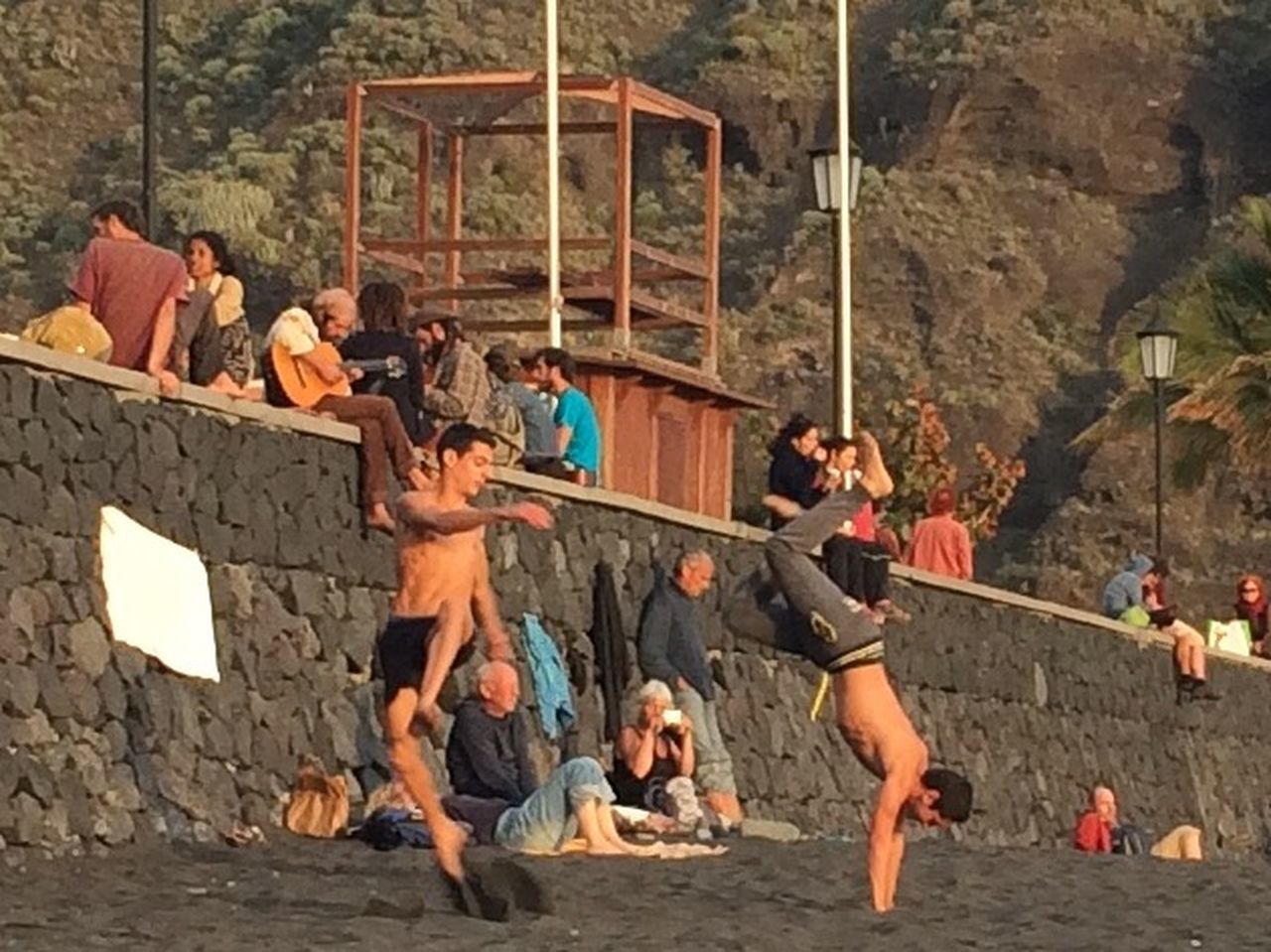 full length, medium group of people, vitality, outdoors, leisure activity, adult, day, young men, men, fun, young adult, summer, people, togetherness, climbing, women, adults only, real people, friendship, rock face, nature