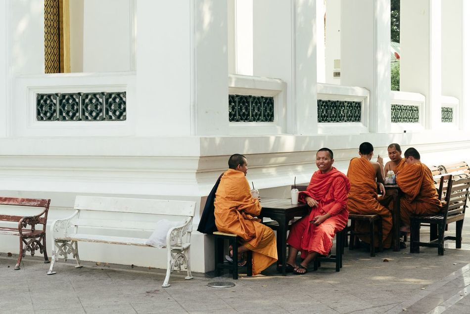 Buddhist Temple Bench Sitting Togetherness Traditional Clothing Men People Monks Temple Temple - Building Bangkok Bangkok Thailand.