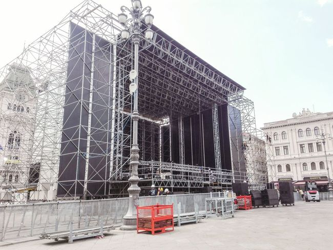 Iron Maiden Street Photography Smartphonephotography From My Point Of View Showcase July Streetphotography TriesteSocial Trieste Metal No Filters  No Filter Disassembly Crew Hights Stagehands The Day After Working Hard After The Show Walking Around Stage