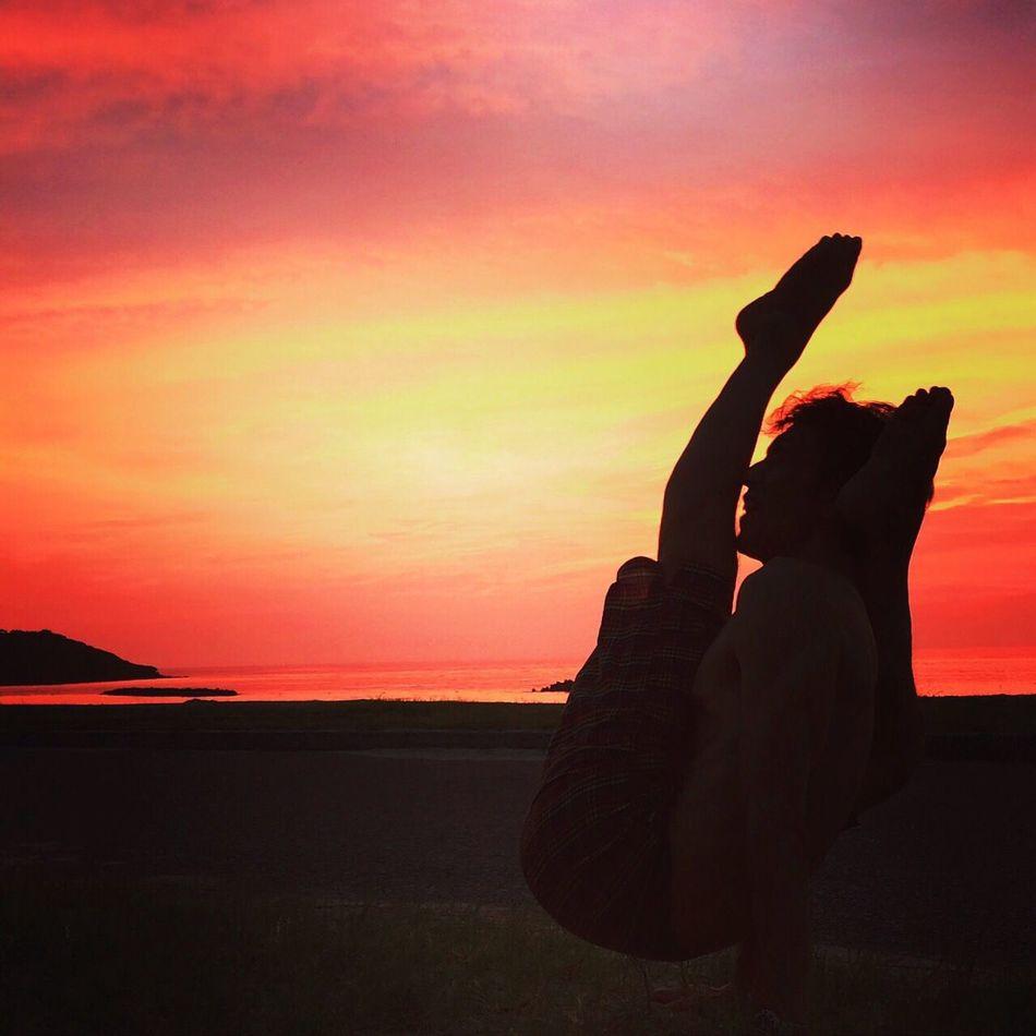 アシュタンガヨガ@石見海浜公園 Ashtangayoga Yoga Space Siddhi Yoga Chakoraasana ヨガ アシュタンガヨガ 石見海浜公園 キャンプ 夕焼け