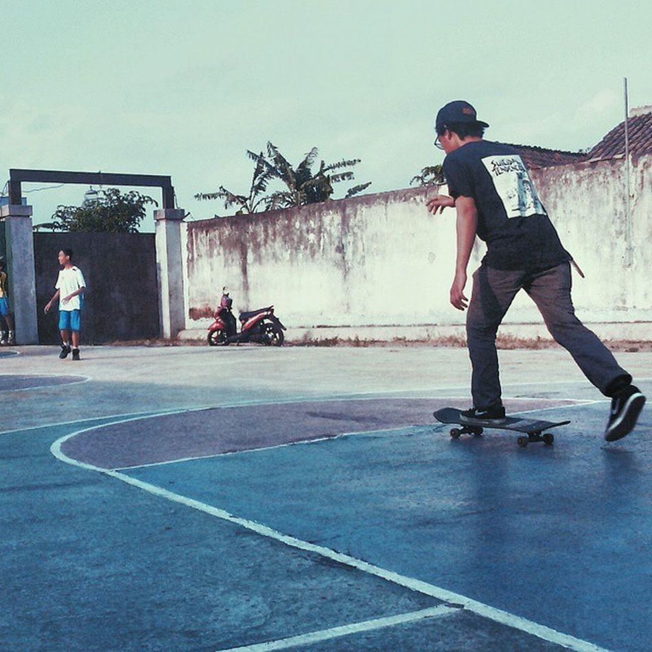 just learn it Skate Skateboard Boarding 180to360tobarspintobackflip LOL