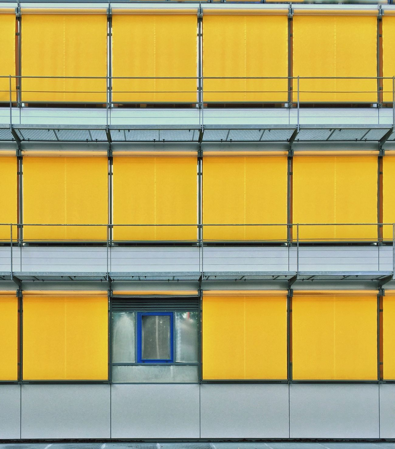Things That Are Yellow Windows Abstractions In Colors Blinds Architecture