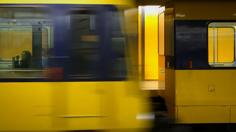 Meeting Lemon By Motorola Commuting Open Edit Notes From The Underground Motion Blur Reflection Glitch