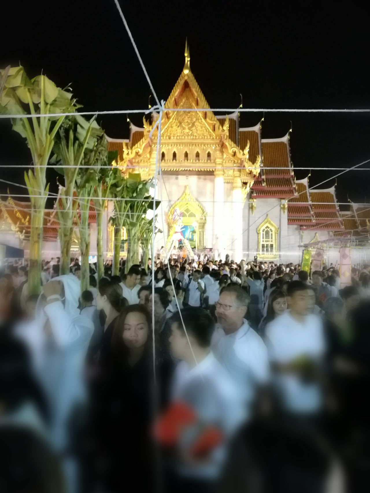 Temple Architecture Temple Thai Temple Thai Thailand Meditation Peaceful Peace Meditate Pray Praying Crowded
