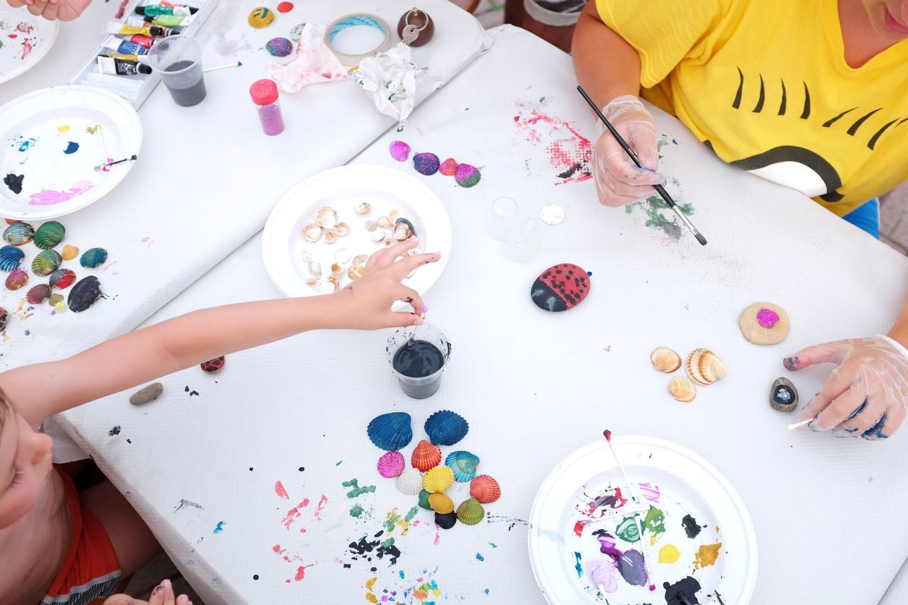 Casual Clothing Colors Cropped Day DIY Kids Leisure Activity Lifestyles Multi Colored Painting Part Of Personal Perspective Sea Shell Unrecognizable Person Variation The Week On EyeEm
