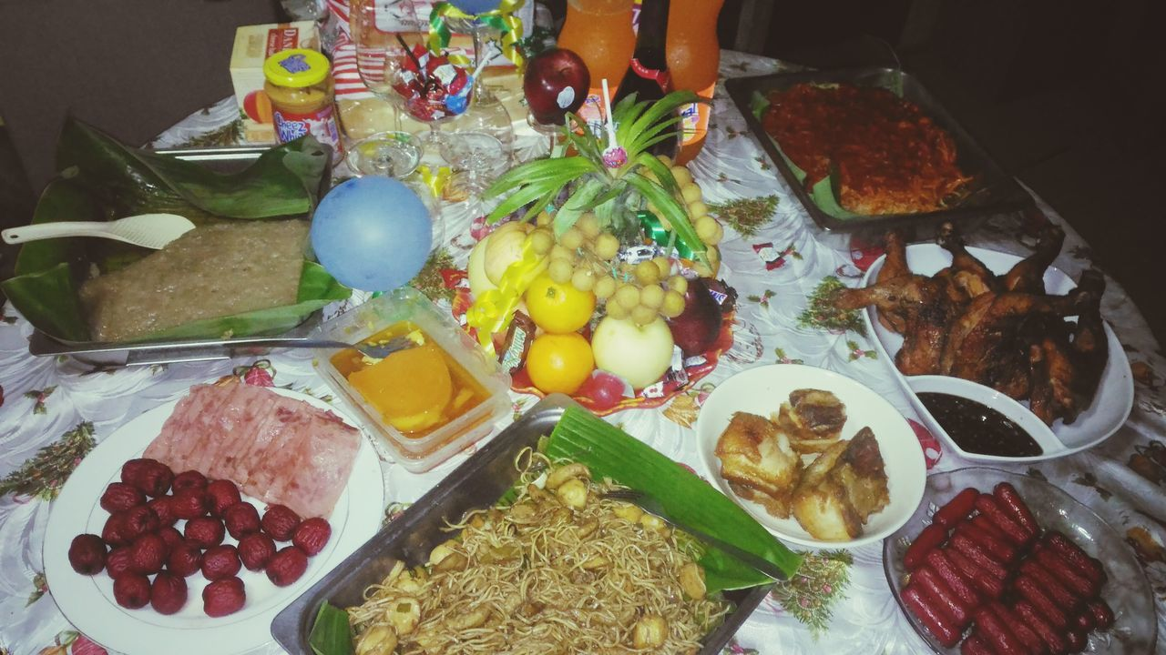 The Feast New Year Christmas Christmastime Philippine Christmas Christmas Philippines New Year Philippines Philippine New Year Philippines Eat Eating Hotdogs Ham Grilled Chicken Fruits Fruit Lecheflan Flan