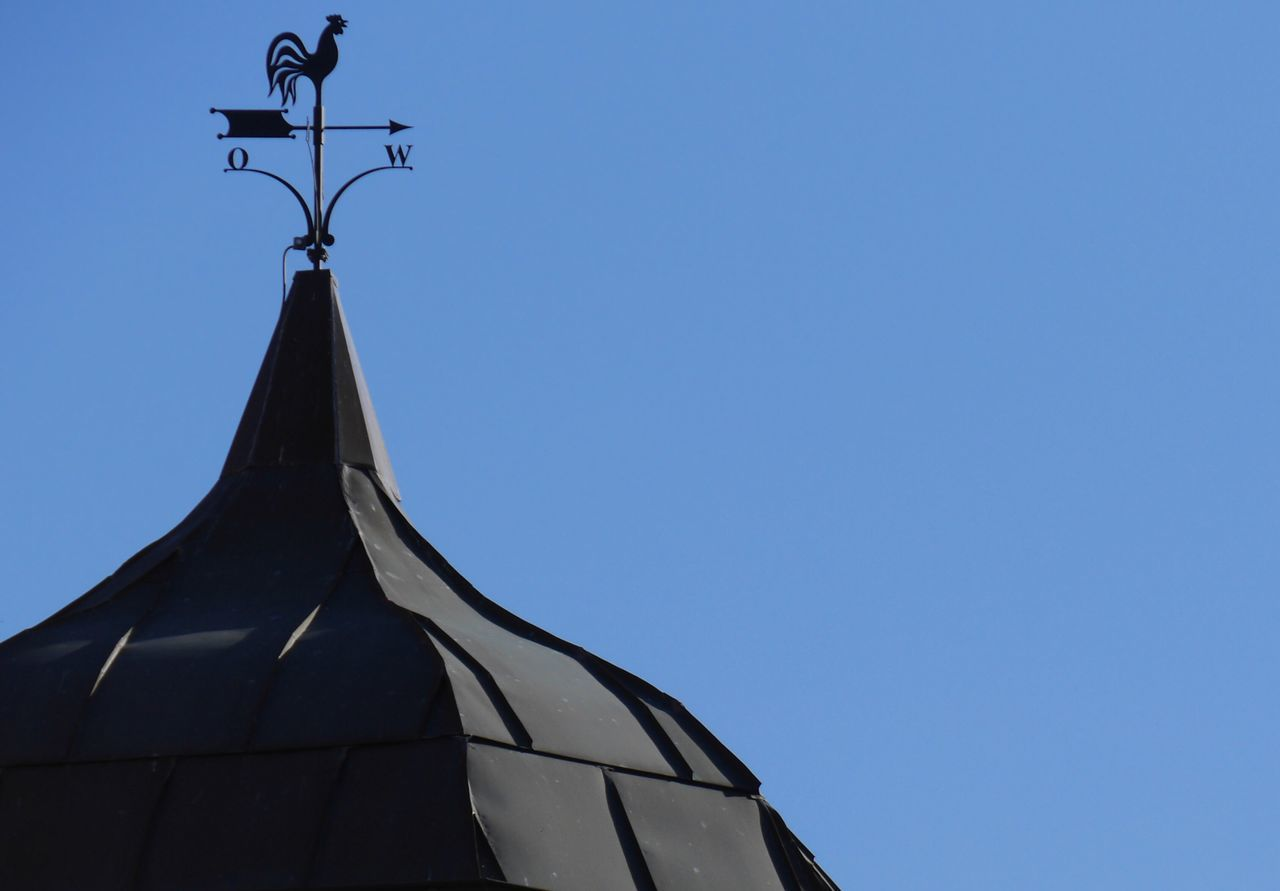 Have a sunny week, my friends! Weathercock Blue Sky Sunny Day Summertime Rooftops Eye4photography  Tadaa Community
