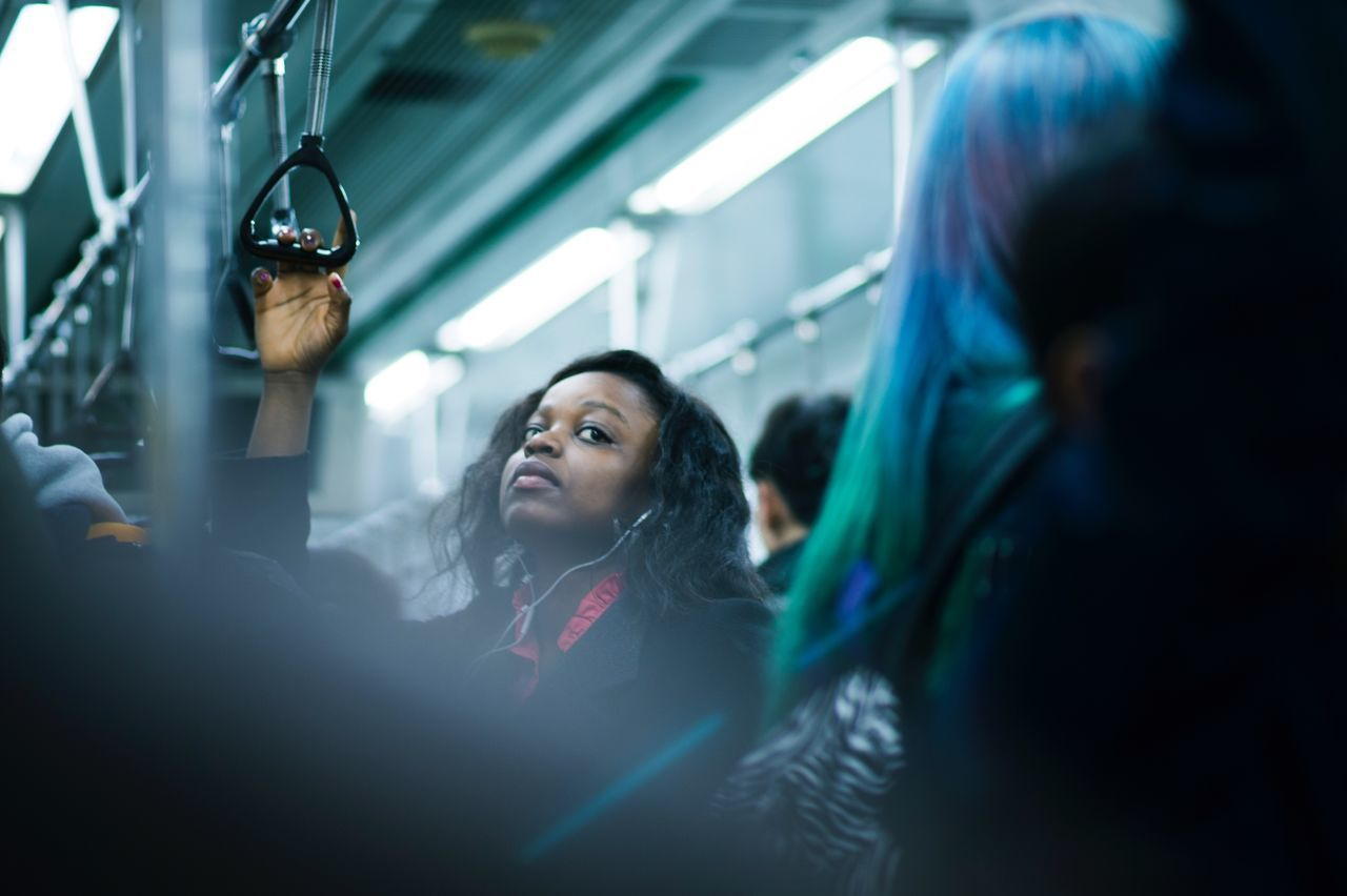 2호선에서 길을 묻던 흑인 여성. 멋있었다.