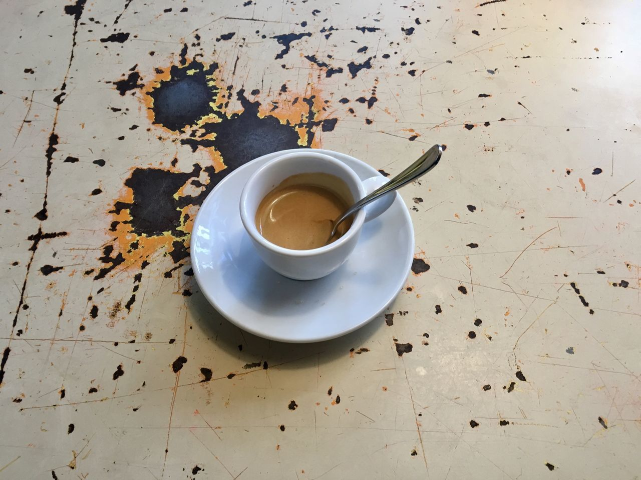 coffee cup, food and drink, refreshment, saucer, drink, cup, coffee - drink, table, leftovers, indoors, no people, freshness, close-up, day