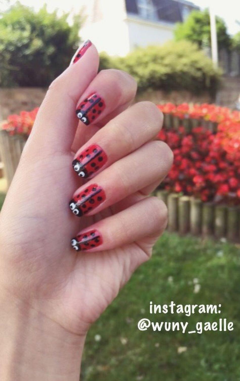 Ladybug Nail Art 🐞 More on instagram: @wuny_gaelle Ladybug Nature Nails Nailart  Nail Art Coccinelle Nailpolish Lovely Cute