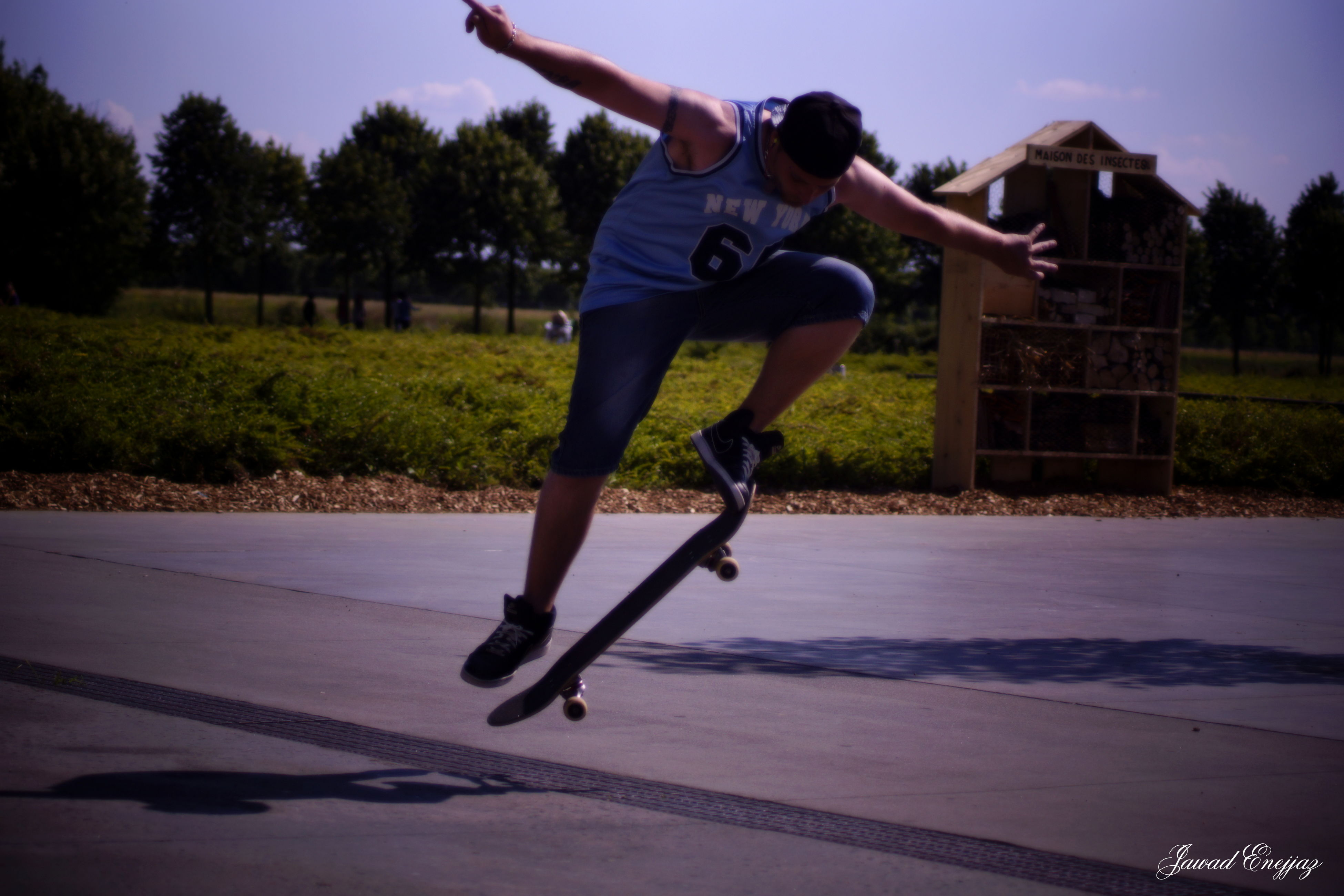 full length, lifestyles, leisure activity, mid-air, enjoyment, fun, jumping, childhood, casual clothing, person, sport, water, playing, boys, motion, vitality, young adult, carefree