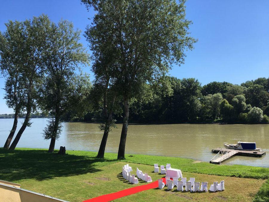 Duna Hungary Szigetmonostor Wedding Wedding Photography Weddings Around The World Wedding Party Weddingday  Weding Photo Weddinginspiration Wedding Decoration Weddinginhungary Weddingdonau