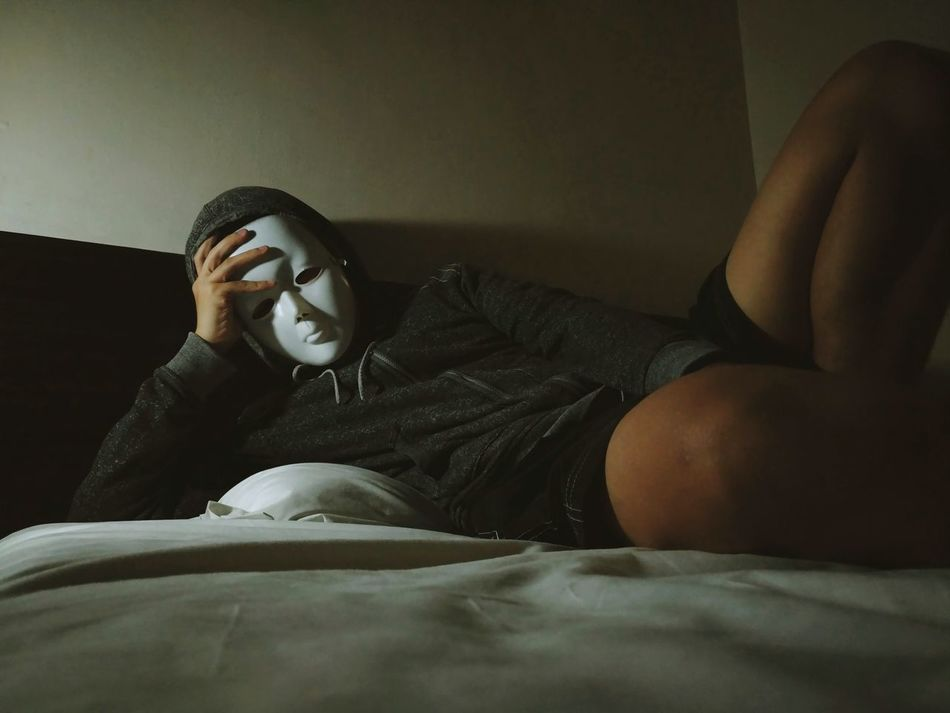 Indoors  One Person Human Body Part Lying Down Bedroom Bed Mask Kaonashi Faceless VSCO Alone Sad Conceptual Masked Portrait Melancholic Problematic
