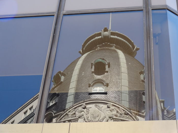 Architecture Building Exterior Built Structure City Day Low Angle View Microcentro Microcentroporteño No People Outdoors Place Of Worship Reflejo Sky Ventana Window Reflection