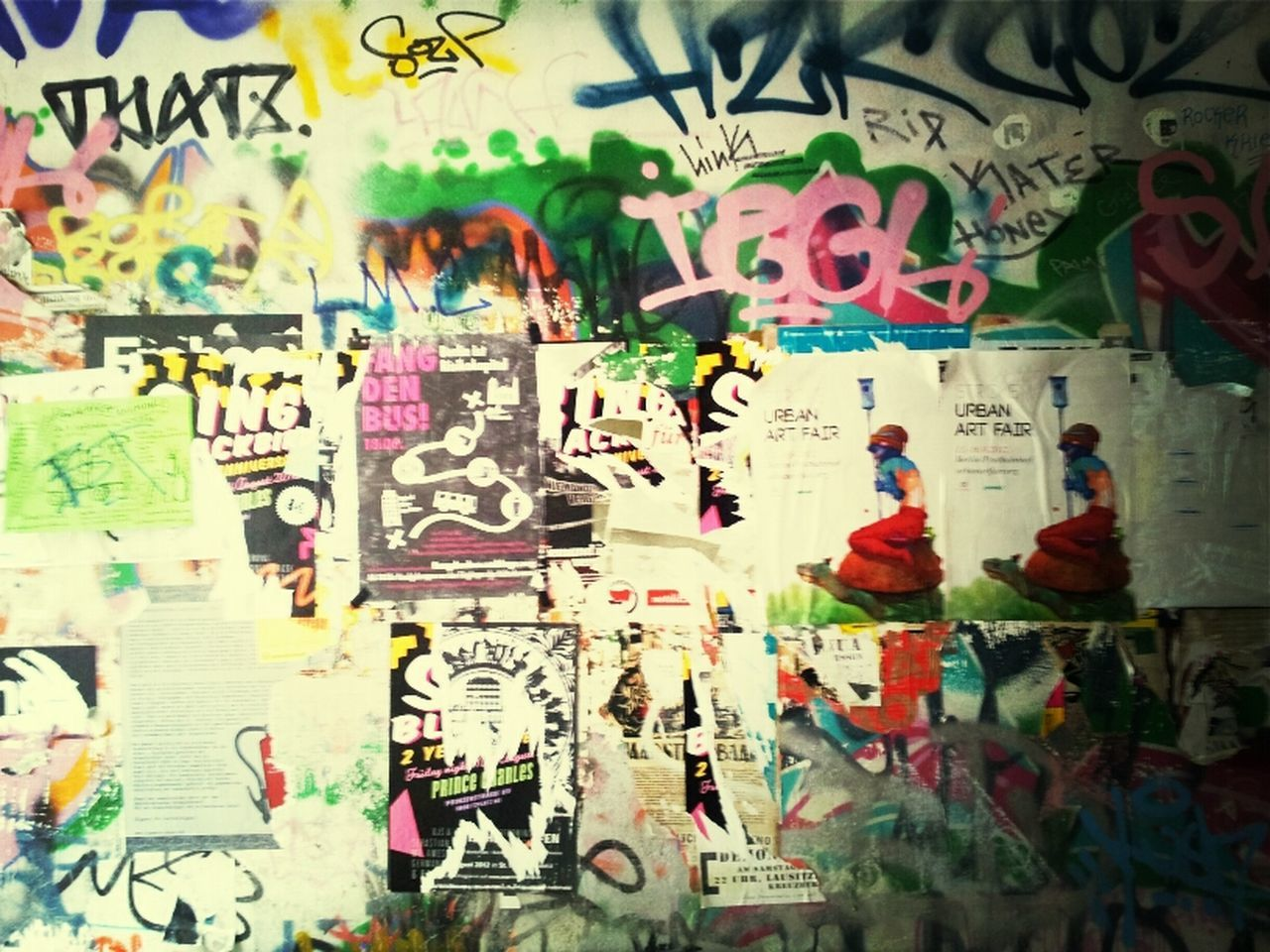 graffiti, art, art and craft, creativity, multi colored, wall - building feature, text, variation, full frame, backgrounds, indoors, western script, built structure, large group of objects, wall, painting, no people, architecture, street art, day