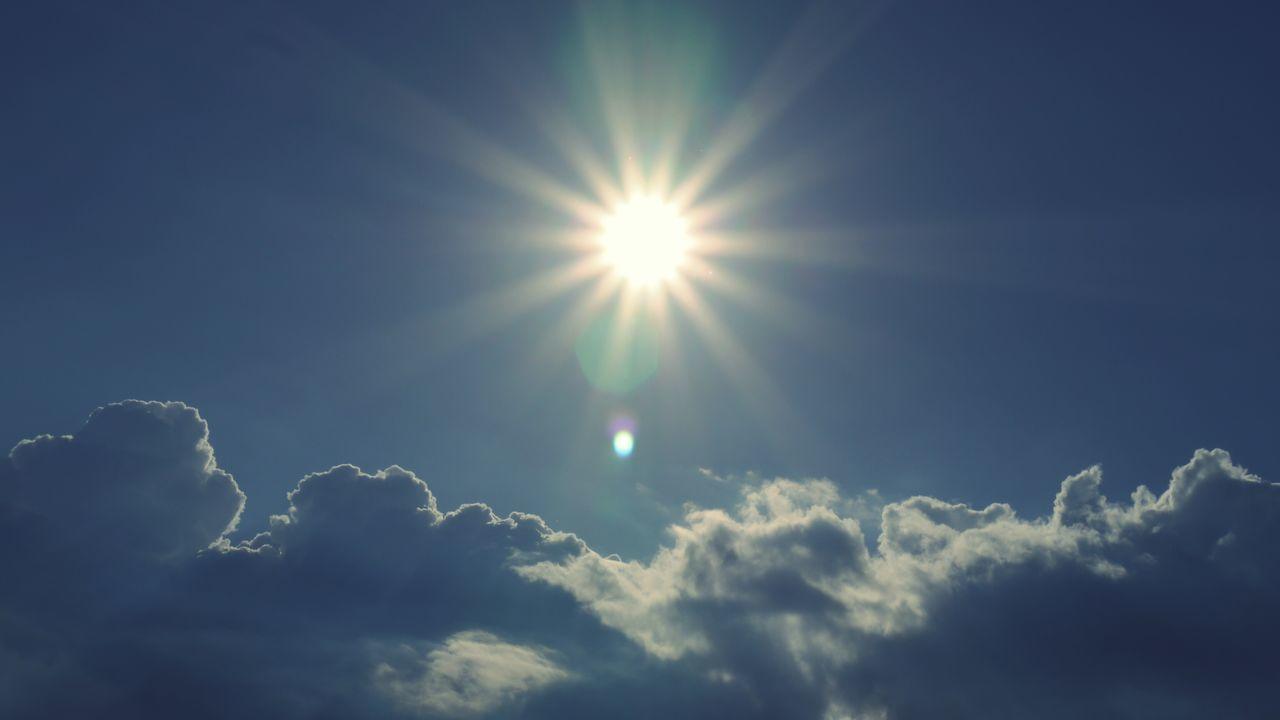 Blue sky The Essence Of Summer Blue Sky Blue Wave Skyporn EyeEm Gallery Sky And Clouds Sunrays Sunshine Sunny Day Puresunlight Color Palette