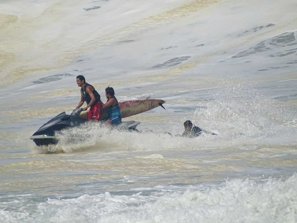Taking Photos Surf Photography Surfing Surfers Paradise Puerto Escondid Rescue RescueLife Lifeguards