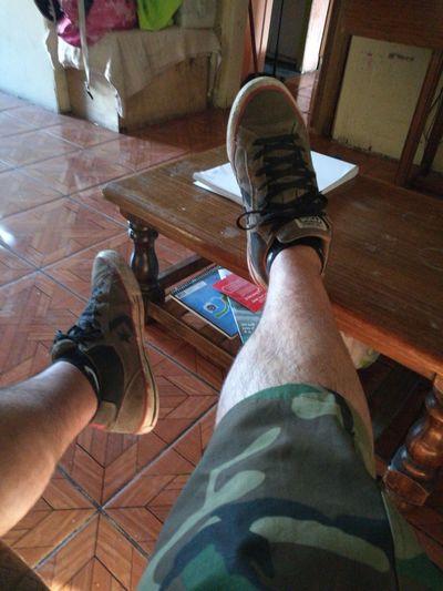 Mis Converse desgastadas de tanto caminar. First Eyeem Photo