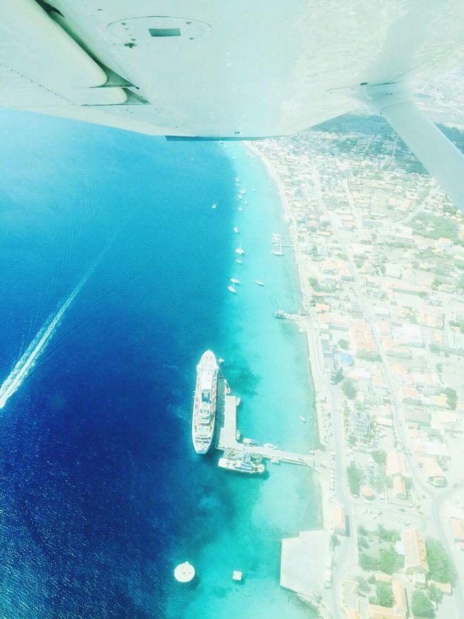 Bonaire Airplane Wing Airplaneview Airplane Wing Airplane Shot Taken From Airplane Taken From Above Blue Ocean Blue Sea Cruiseship Cruise Ship Kralendijk