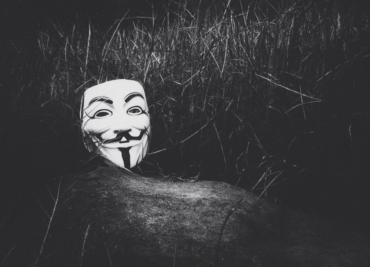 V for Vendetta || ori pic by @ulie, edit by me