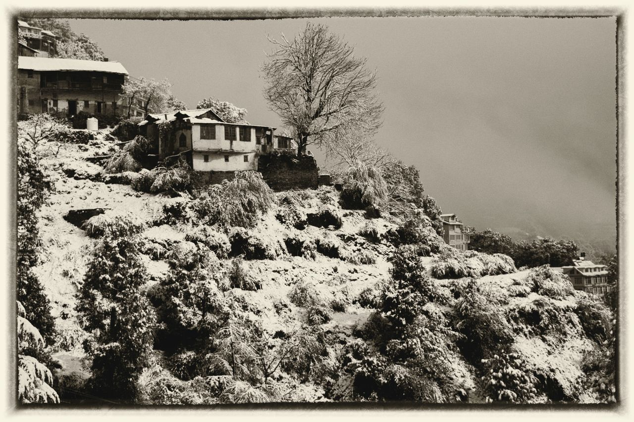 Morning Shots..!! Winter Snow Snow ❄ Snowfall Himalayas India Eyeemcollection EyeEm Best Shots Himachal No People Hillside Peace Building Exterior Outdoors Vintage Style Black&white Blackandwhitephotography