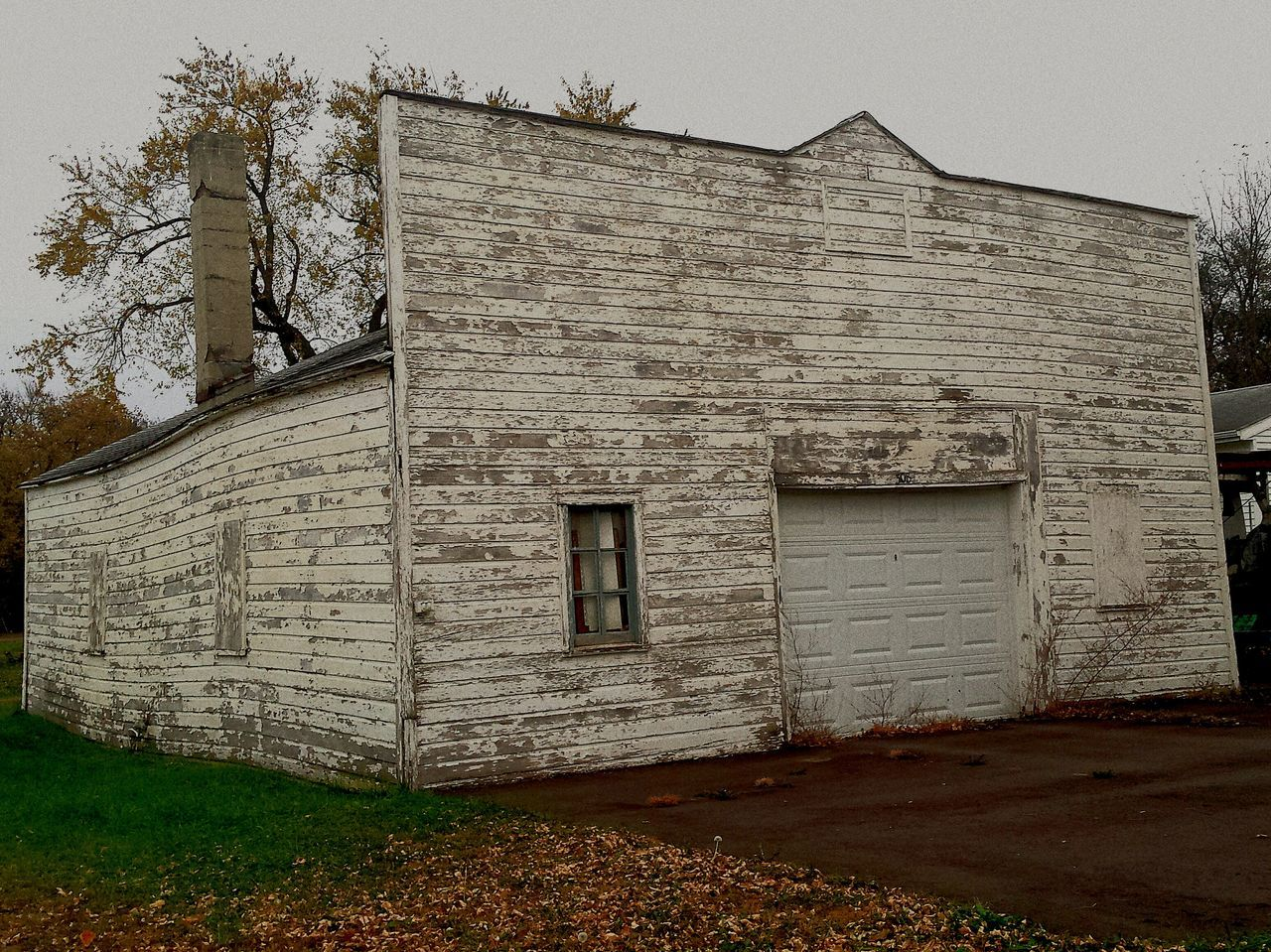 architecture, built structure, building exterior, house, no people, outdoors, abandoned, day, tree, sky
