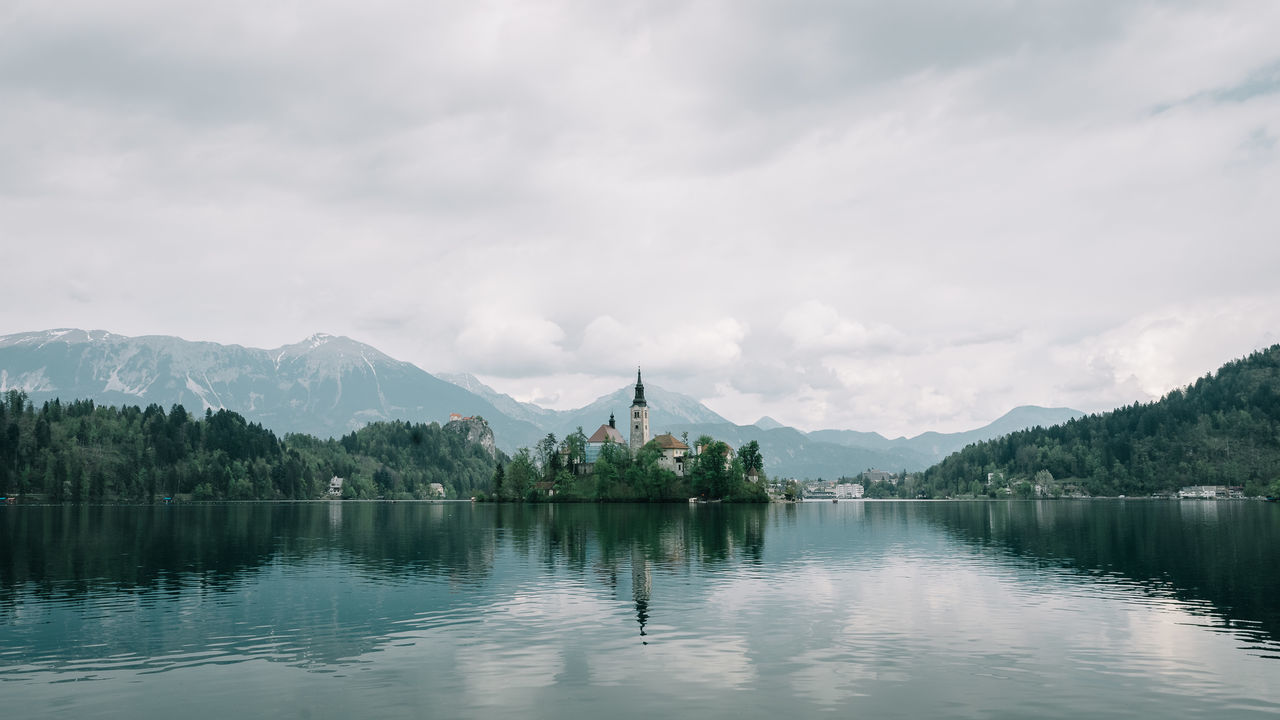 Beauty In Nature Bled Bled, Slovenia Cloud - Sky Lake Lake Bled Lake Bled, Slovenia Mountain Mountain Range Nature Sky Slovenia Tranquility Water
