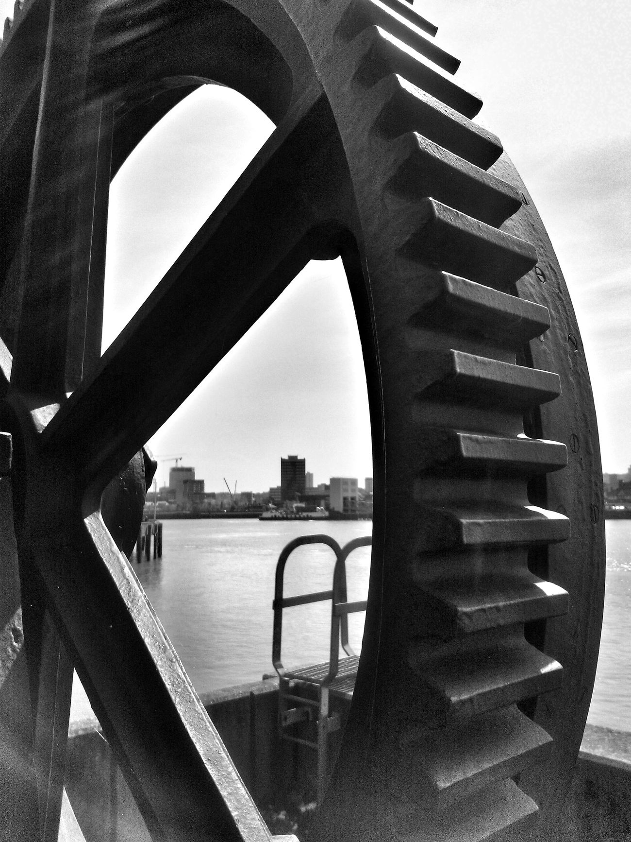Manmadestructures Inner Workings Blackandwhite Photography Shapes And Lines Cogs Of Industry London