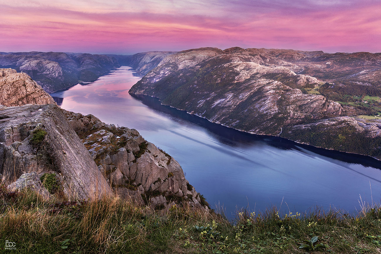 Landscape Sunset Igniting Sky Water Mountain Outdoors No People Fjord Lysefjord Priekestolen Norway Cloud - Sky Adulation Atumn Jorney Rock