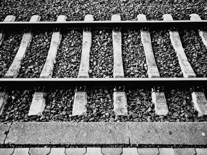 Black And White Black & White Schwarz & Weiß Schwarzweiß Schienen Bahnsteig Bahnhof Haltepunkt Reise Reisen Verreise Railroad Track Rail Transportation Transportation No People Railway Train  Journey Travel Railway Sleepers Rail Track Schwellen Bahnschwellen Schienenstrangrailway Platform Railroad Tie