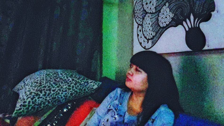 Relaxing Watching A Movie Enjoying Life Alone That's Me Merecik