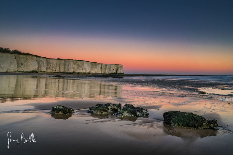 Kingsgate Bay at sunrise Water_collection EyeEm Masterclass EyeEm Best Shots - Landscape Broadstairs Seascape Sea England Beach Photography Chasing Light Sunrise_sunsets_aroundworldSony A7RII Kent Sony Images Landscape Seascape Photography Landscape_photography Landscape_Collection Sonyimages Sonyalpha Dawn Of A New Day Sunrise_Collection Sunrise Dawn England, UK