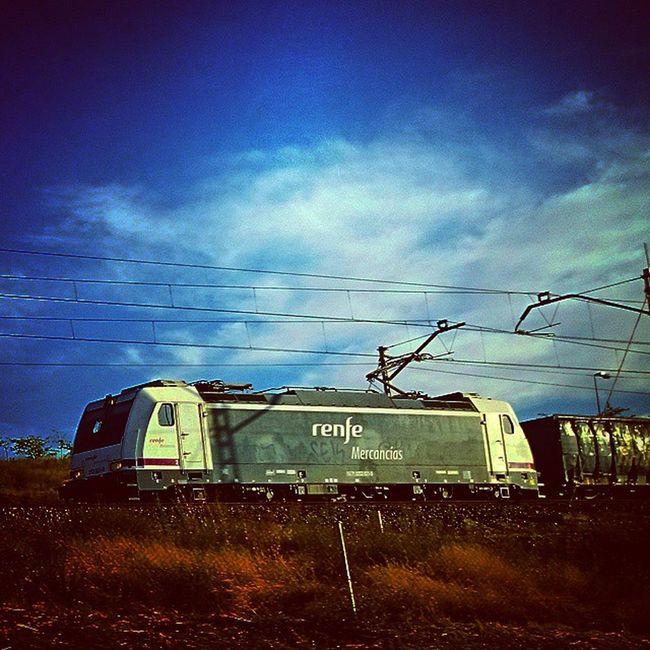 253-021-0, Renfe Mercancías Igerstrains Igersrenfe Igersadif 253 renfemercancias trenes igersmadrid xperiaZ1 whiledriving arnold plataforma-n locomotoras materialrodante