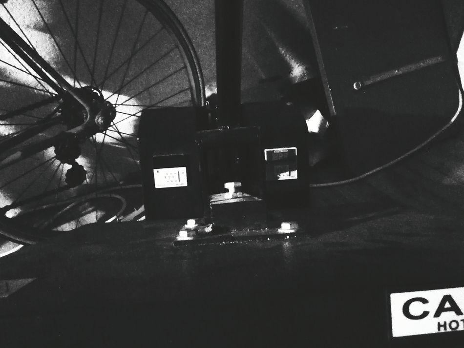 Technology Generatepic mono Textile Hot Surface Entre Ombre Et Lumiere à Vendre à Débattre France Je Vends Ma Vie Comme Un Savon But I Am Not The Only One