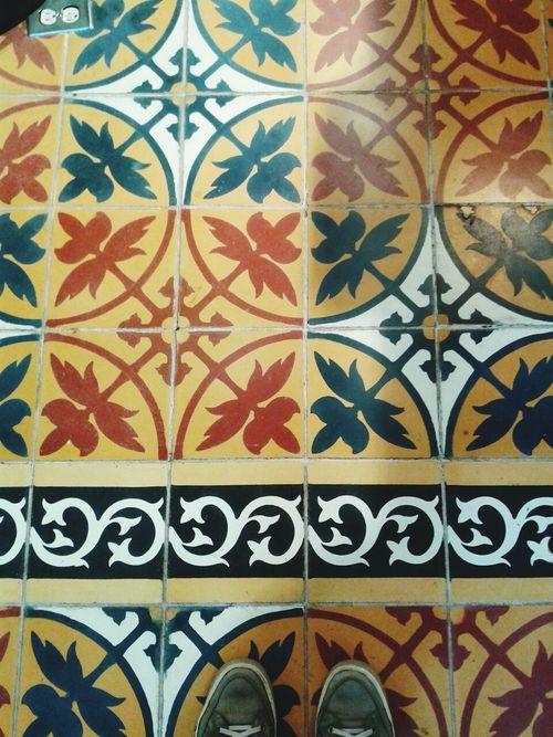 Cerámicas colombianas... Pattern Design Floral Pattern Shoe Architecture Colombia Azulejos Ladrillos Mosaic Tiles Floor Tiles Hidràulic Azulejo Pisos Flooring Cartagena/Colombia Ondepiso Tiled Floor Pisohidraulico Decoration Human Foot Ladrilhos Architecture And Art Mosaic Floor
