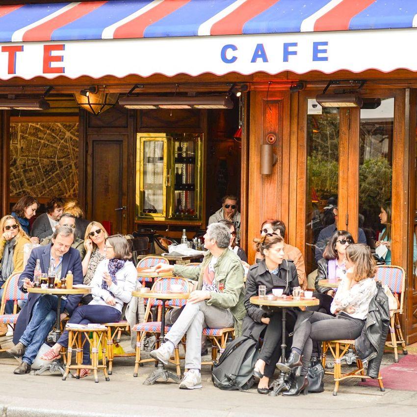 • Café • bonjour! Summertime Paris EyeEm Best Shots Streetphoto_color EyeEm Best Shots - People + Portrait Paris Je T Aime Cafe