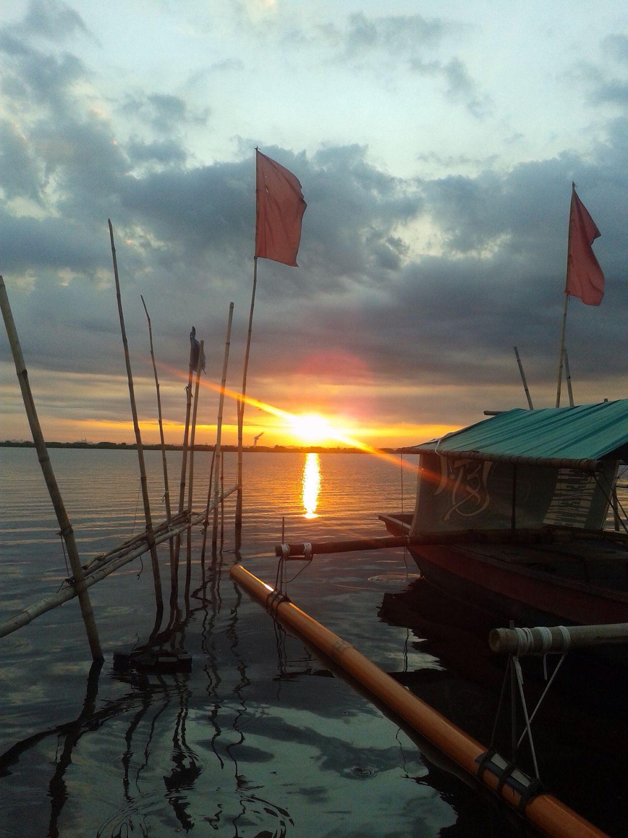 Wawa ng Angono Philippines Rizal Angonorizal Artcapital LagunaDeBay Pilipinas Sunset Sunsetphotography Sunsetphotographs Boat Colour Of Life Hidden Gems