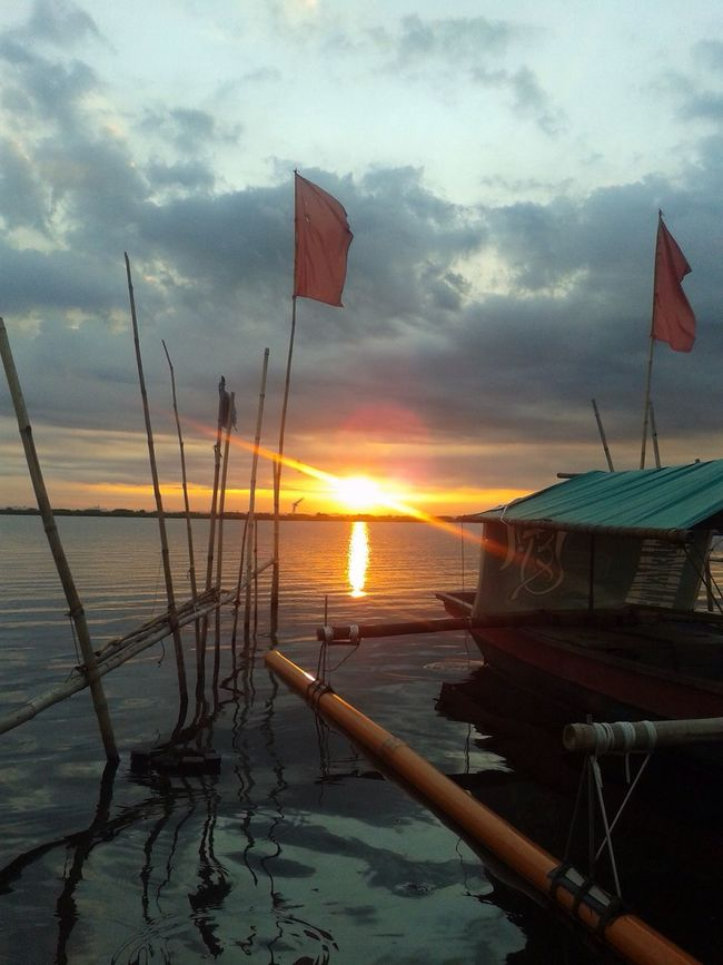 Wawa ng Angono Philippines Rizal Angonorizal Artcapital LagunaDeBay Pilipinas Sunset Sunsetphotography Sunsetphotographs Boat Colour Of Life Hidden Gems