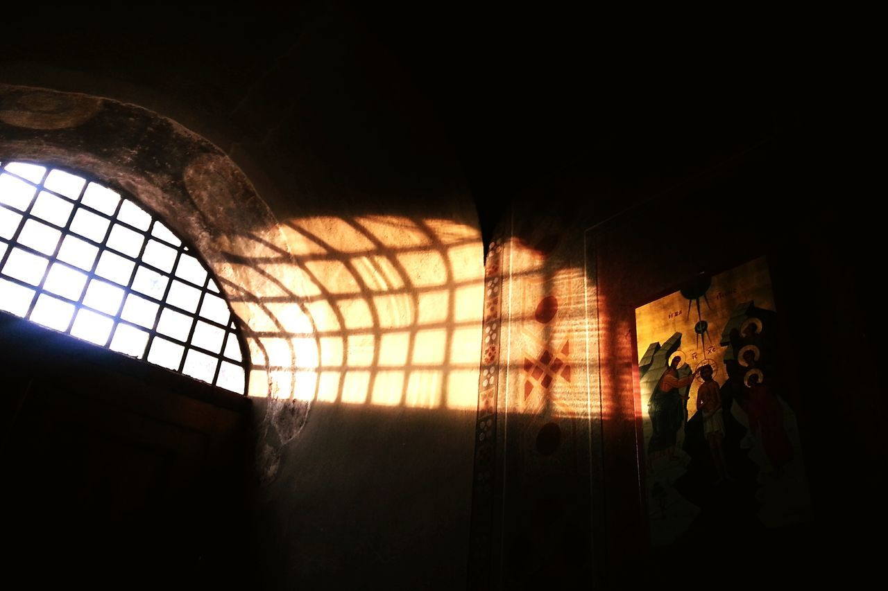 When the window opens to right side, the holy golden images Revival by little light touch. Pitoresk The City Light