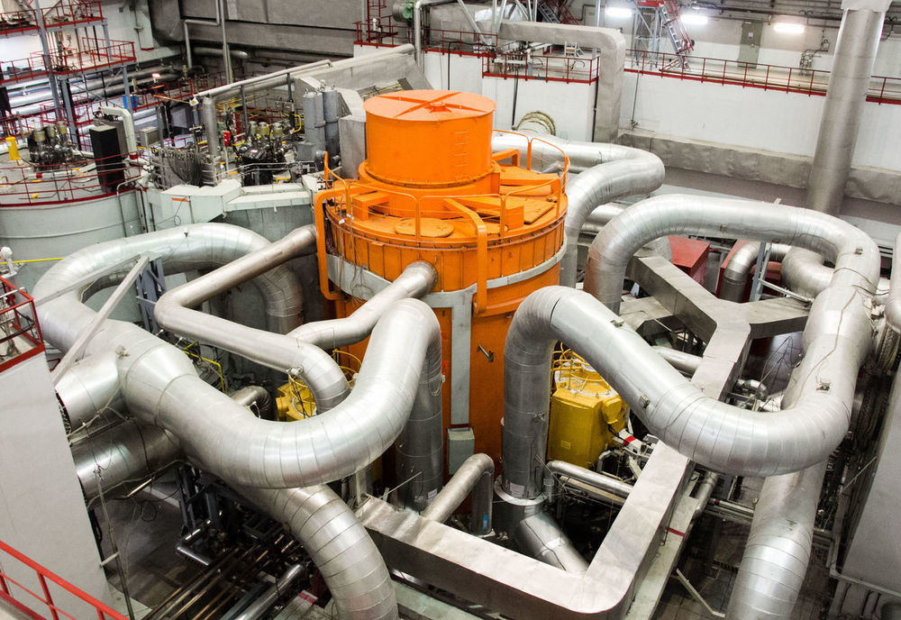 Fast reactor BN-800, Beloyarskaya nuclear plant, Russia BN-800 Reactor Fast Reactor Fuel And Power Generation Indoors  Industrial Equipment Machinery Nuclear Energy Nuclear Plant Pipe - Tube Technology