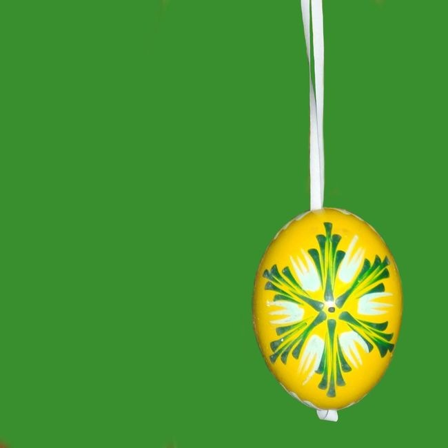 Easter Eggs Easter Easteregg Egg Decoration Decorations Decorative Craft Minimalism Minimal Minimalist Green Yellow Green And Yellow  Mono Background Lent Traditional Tradition Bright Colorful Colors Two Colours Easter Ready Colour Of Life Lieblingsteil
