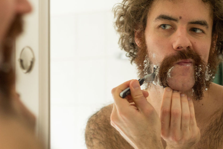 Beautiful stock photos of badezimmer, 25-29 Years, Beard, Body Care, Body Care And Beauty