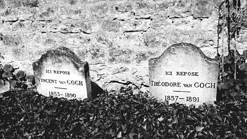 Cimetière. Blackandwhite Auvers-sur-l'Oise Cimetery Artist Peintre Vincent Van Gogh