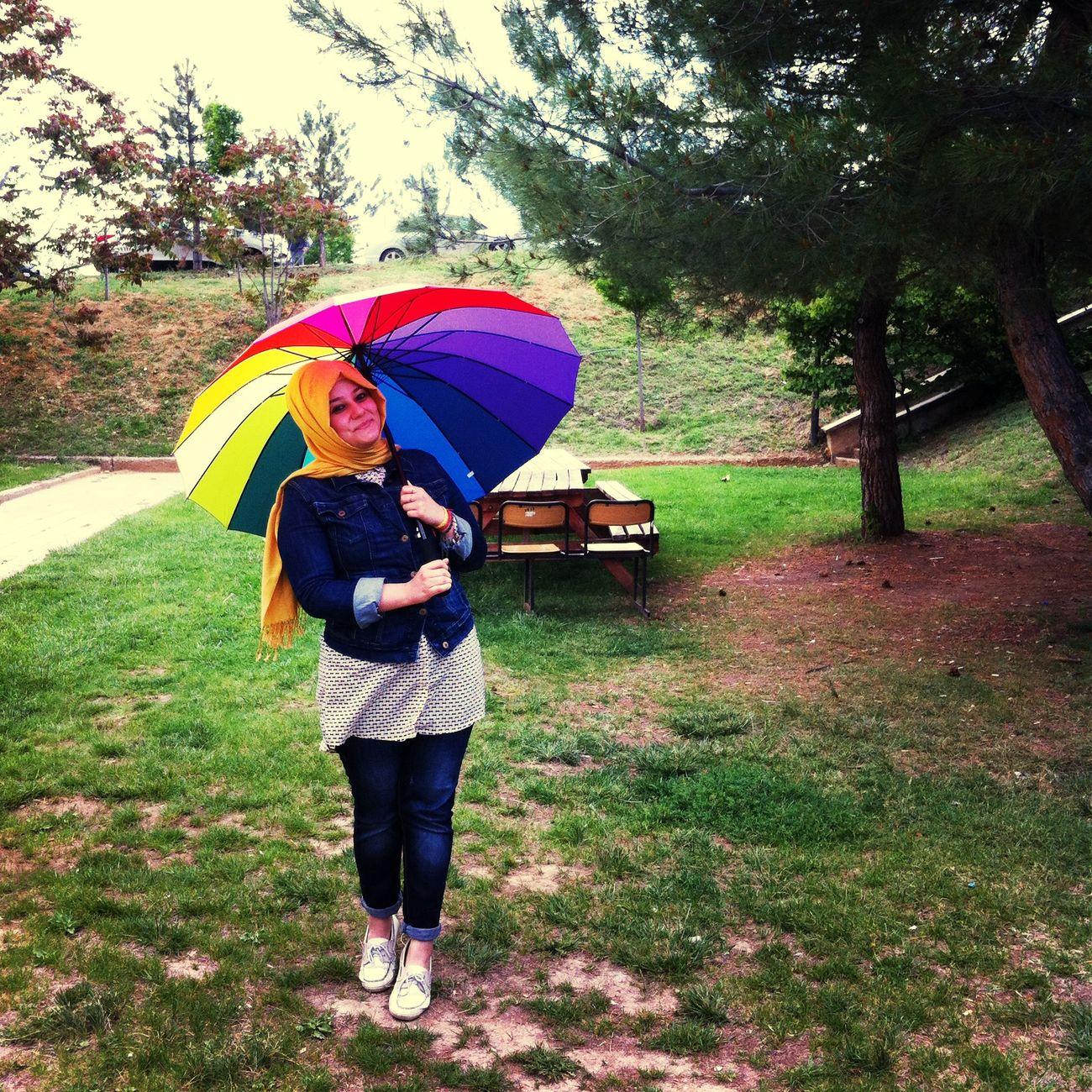 Bu şemsiye kadar renkli bir ruh halim olabilirdi, olmadı. Umbrella Hello In University ✌️