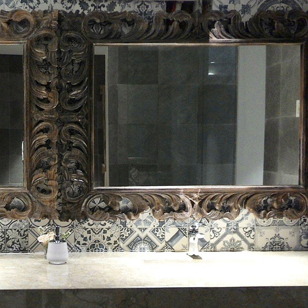 Make-up Room Fourpointsbali Fourpoints Kuta Bali Indonesia restroom mirror wooden crafts craftedwood marmer tiles elegant beautifuldestinations design interiordesign interior architecture homedecor hotels photooftheday
