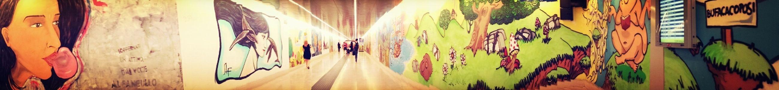 Pensieri cattivi che volano via....Subway Public Transportation Tunnel Street Art